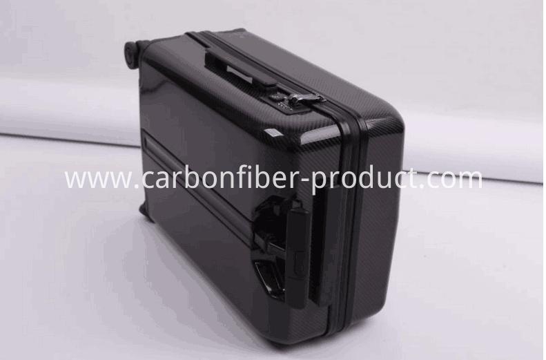 Carbon fiber suitecase detail