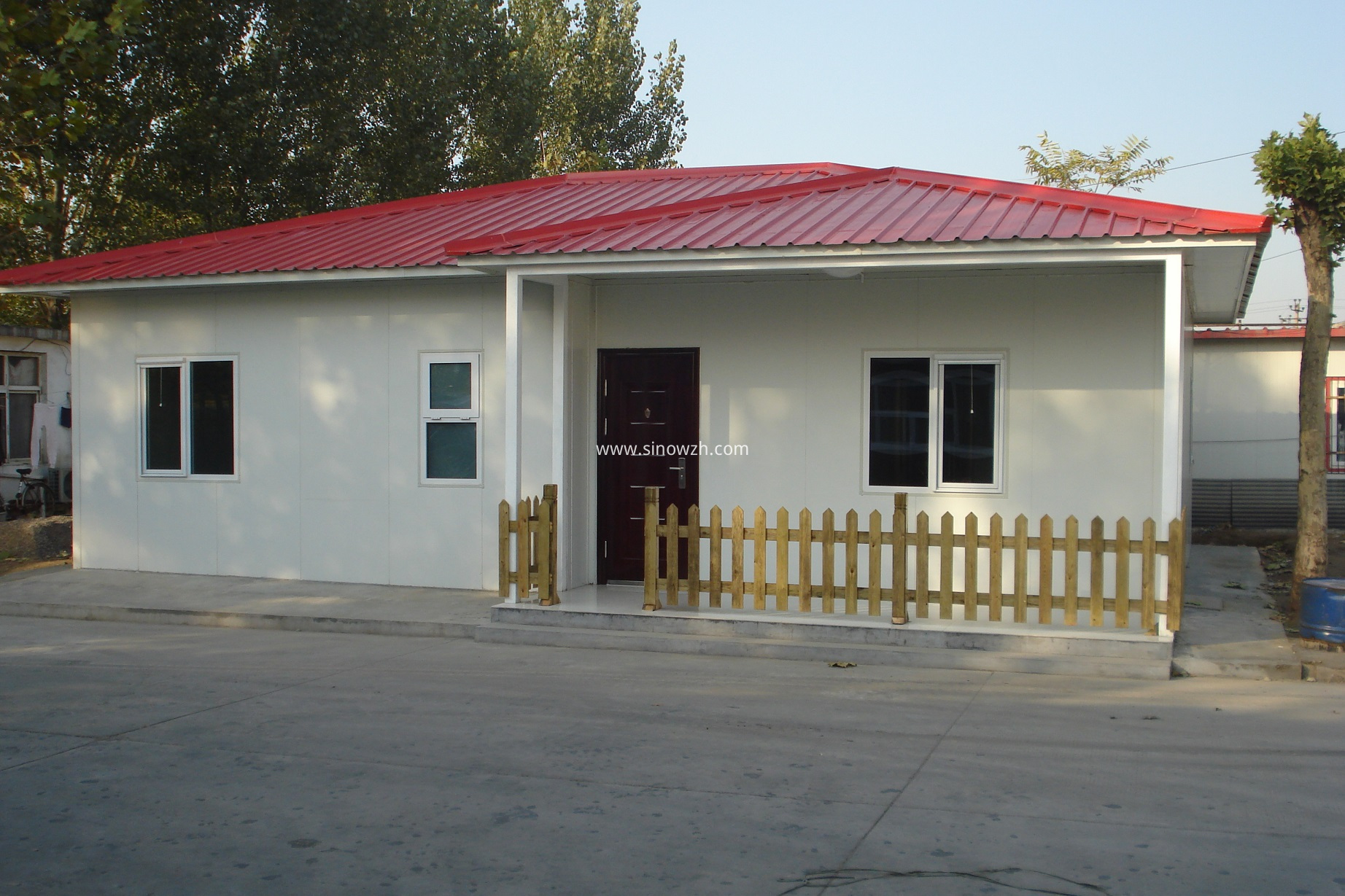prefabricated camp building