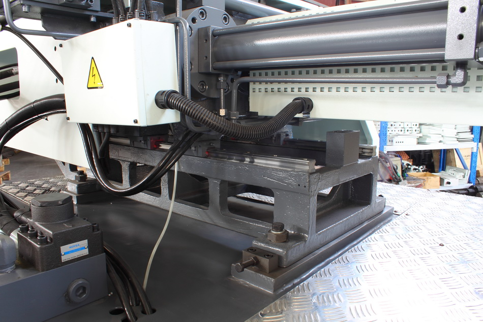 Linear Guide Rail For Injection Carriage