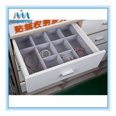 Drawer divider for cabinet drawer