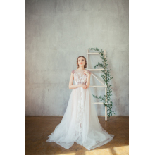 A-Line/Princess Tulle Floor Length Open Back Wedding Dress