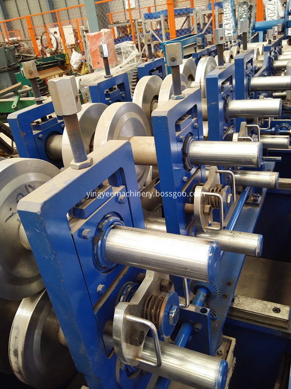 C/Z purlin roll forming machine
