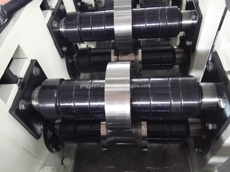 Stud and track keel roll forming machine