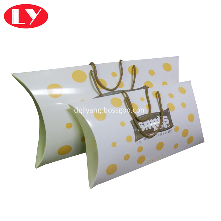 Pillow Box With Handle1
