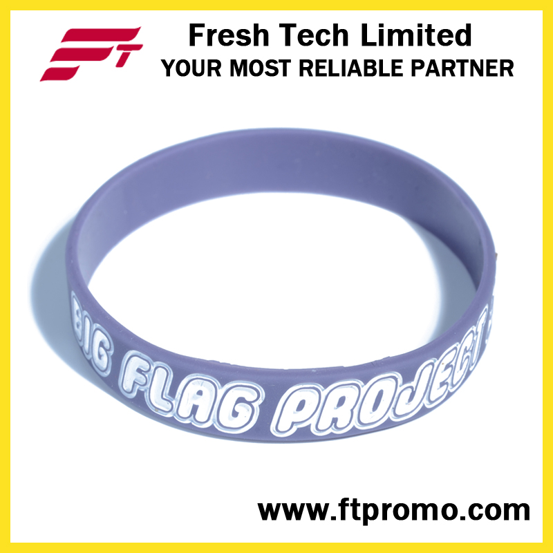 2016 Cheap OEM Silicone Wristband with Logo