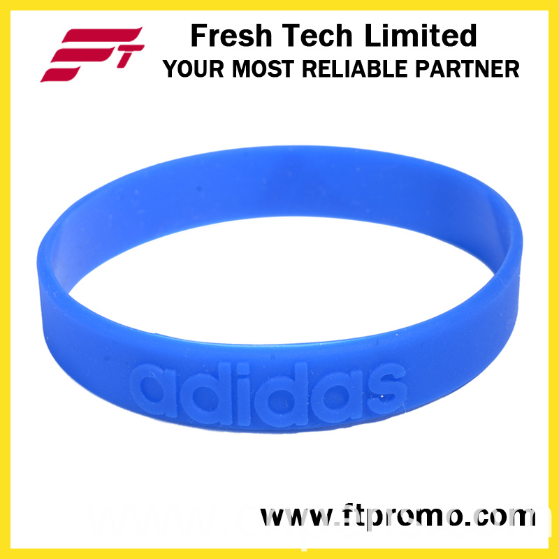 Professional Sports Silicone Wristband with Embossed Logo