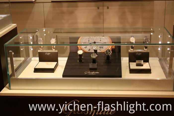 LED Standing Spotlight /Cabinet Lighting for Jewelry (LC7328)