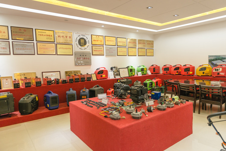 7000W Gasoline Digital Inverter Generator (XG-7000)