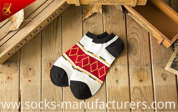 Fashion Pattern Men Cotton Wholesale Custom Socks