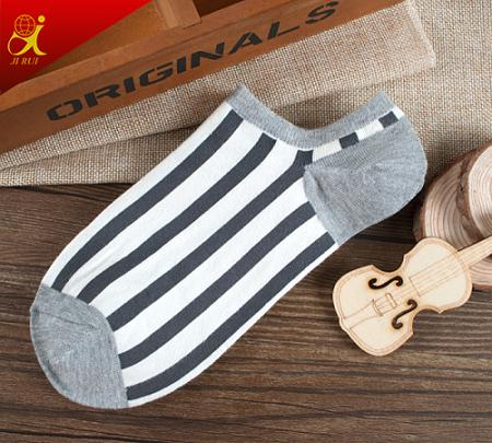New Design Fashion Pattern Stripe Socks Men Ankle Socks